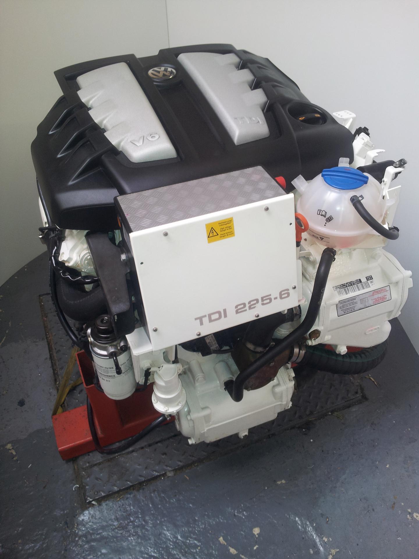 TDI 225 6 Diesel Engine